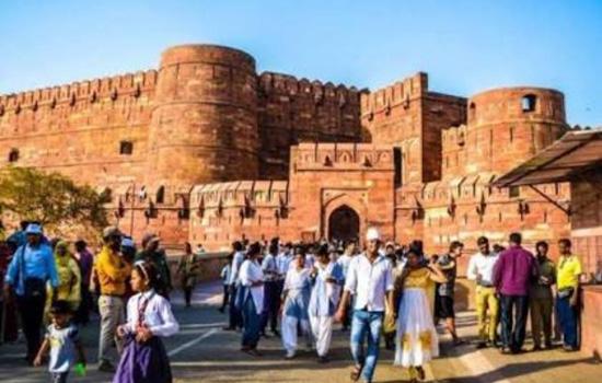 आगरा का लाल किला जहाँ जहाँगीर का न्याय लोकप्रिय हुआ