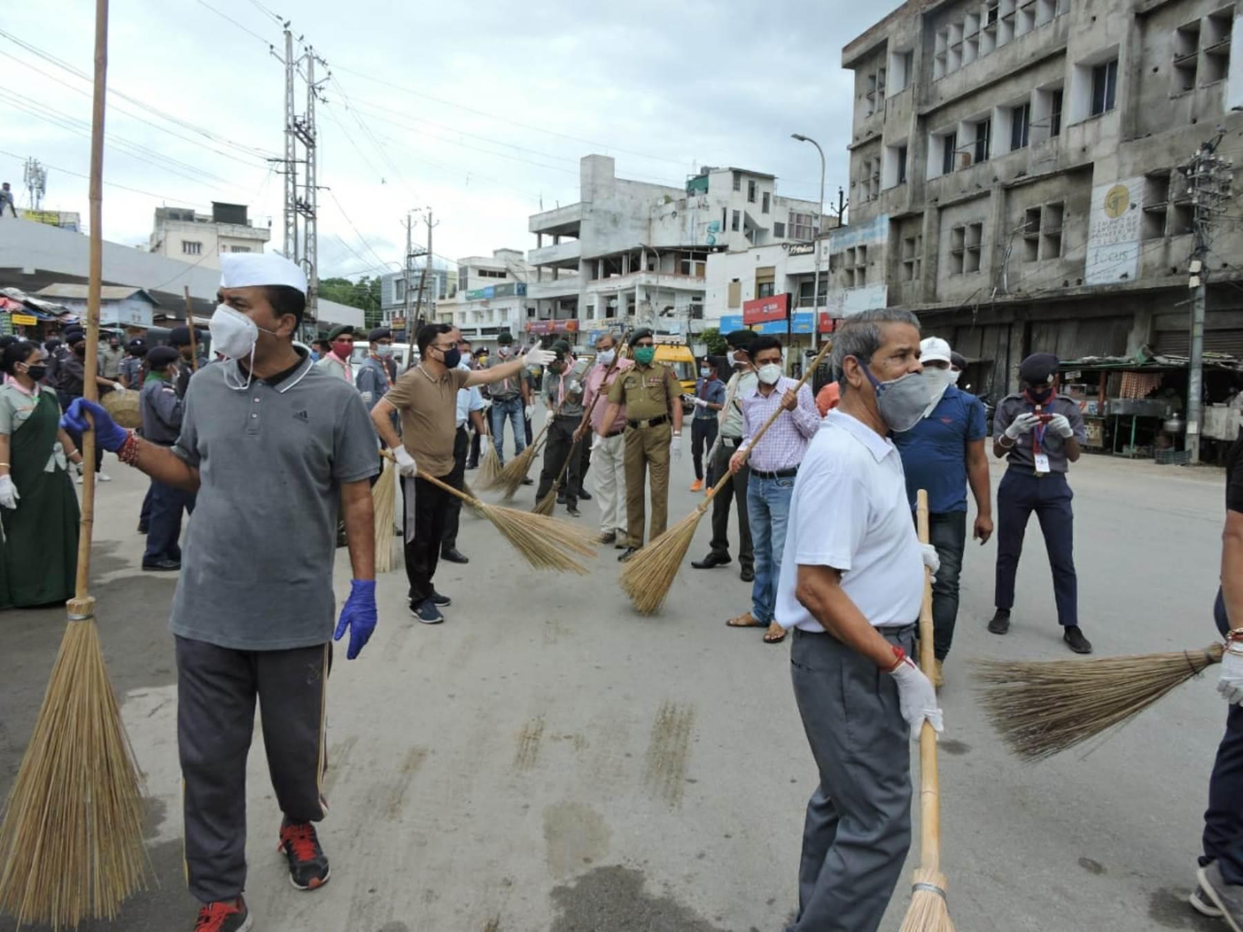 अगस्त क्रान्ति सप्ताह: देहलीगेट से हाथीपोल तक हुआ श्रमदान