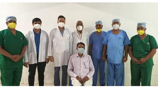 आँतों में रुकावट से पीड़ित रोगी का गीतांजली हॉस्पिटल के जनरल सर्जरी विभाग द्वारा सफल इलाज