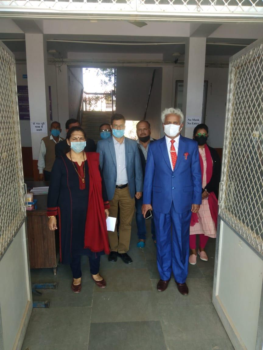 सुविवि- कुलपति प्रो सिंह अचानक सभी कॉलेजों का निरीक्षण करने पहुंचे