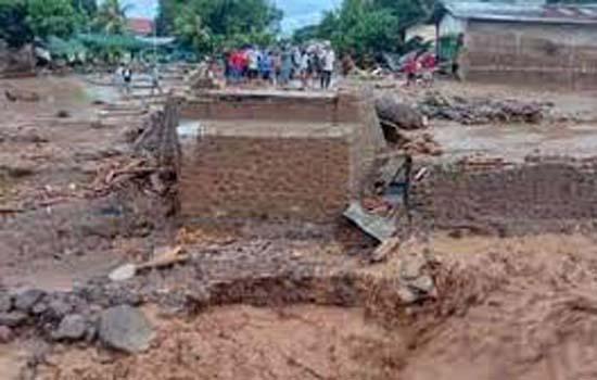 इंडोनेशिया में भारी बारिश से मृतकों की संख्या 126 हुई