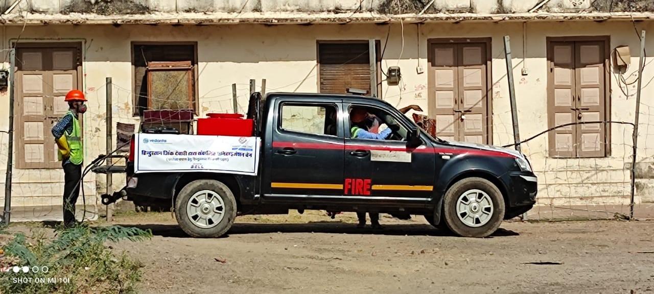 हिन्दुस्तान जिंक द्वारा देबारी स्मेल्टर के आस पास 30 गावों में किया जा रहा सैनेटाइजेशन