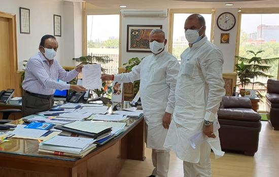 जयपुर और चित्तौड़गढ़ सांसद की केन्द्रीय स्वास्थ्य मन्त्री से भेंट
