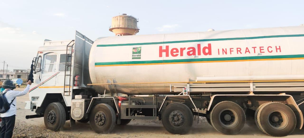 राज्य कोटे के अतिरिक्त 28 मेट्रिक टन ऑक्सीजन लेकर टैंकर पहुंचा कोटा
