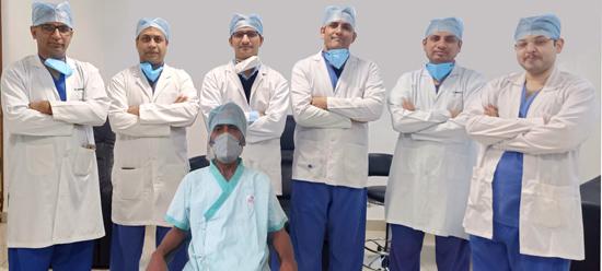 जांघ के ट्यूमर से पीड़ित रोगी को कैंसर एवं ह्रदय शल्य चिकित्सकों द्वारा ट्यूमर को बाहर कर ग्राफ्ट लगाकर दिया नया जीवन