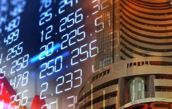 सेंसेक्स 334 अंक लुढ़का, आरआईंएल, बैंक शेयर टूटे