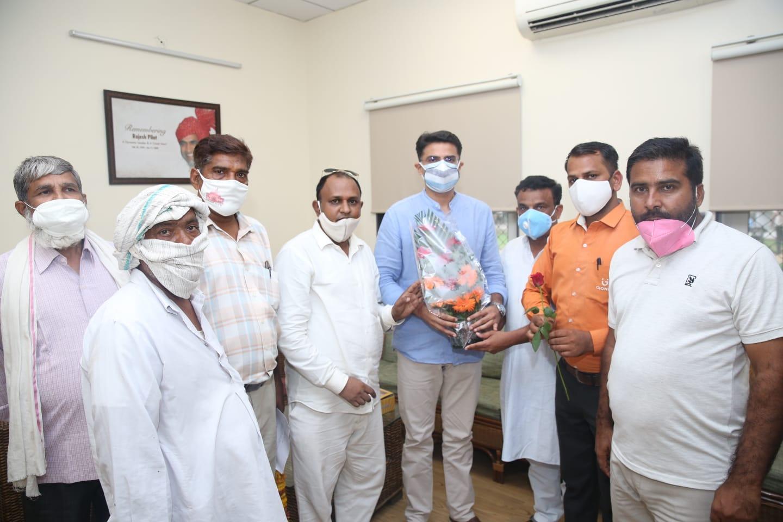 जिला किसान मोर्चा के जिला अध्यक्ष व प्रदेश सचिव वराष्ट्रीय महासचिव की जयपुर में आलाकमानों से हुई चर्चा