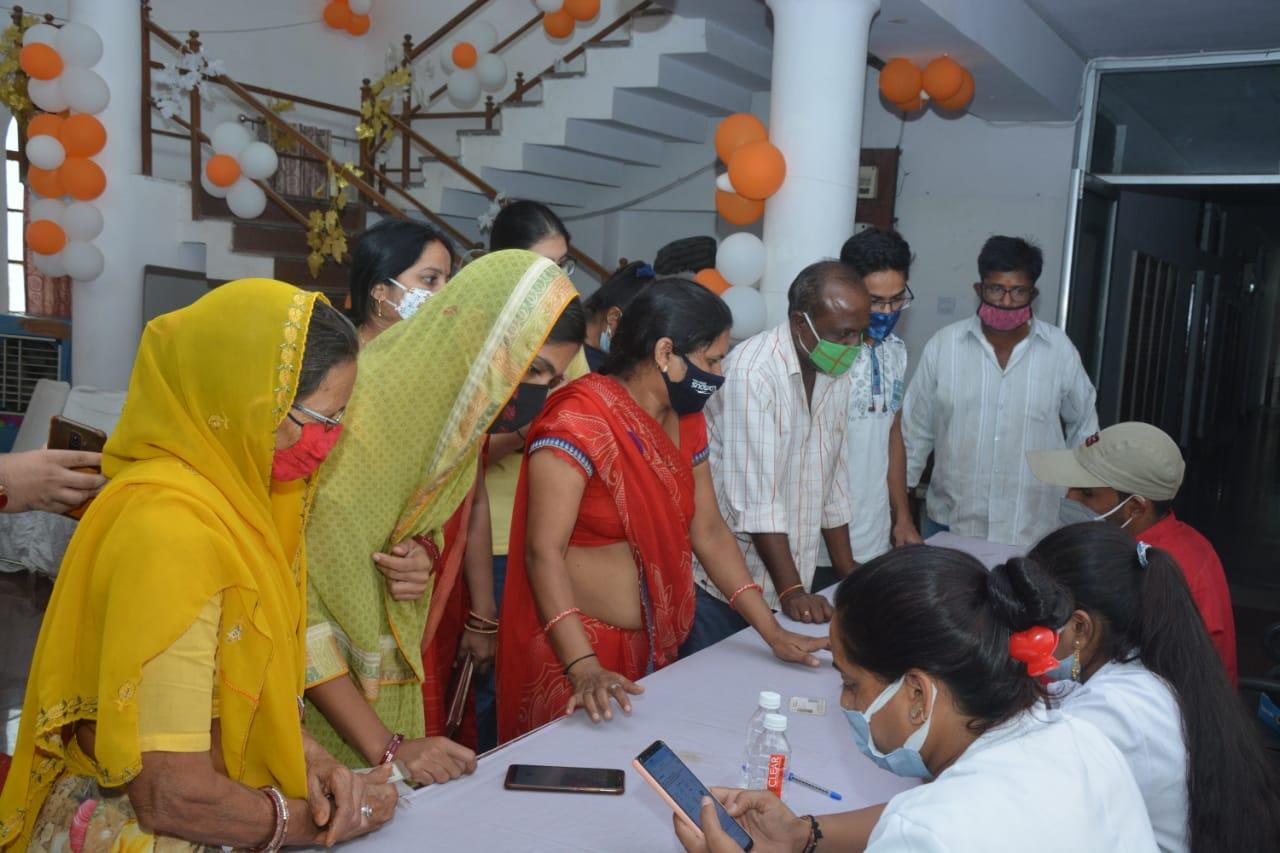 सुविवि- छात्र कल्याण अधिष्ठाता कार्यालय में एक माह का कोविड टीकाकरण शिविर शुरू