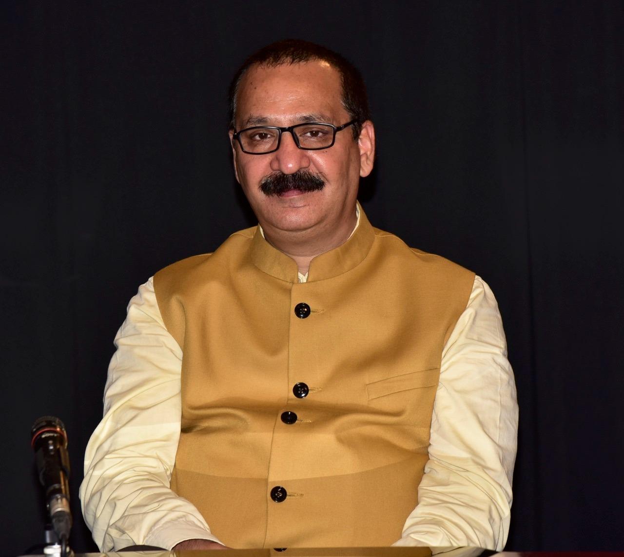 भारत को 'सर्विस कंज्यूमर' से 'सर्विस प्रोवाइडर' में बदल सकती हैं भारतीय भाषाएं : प्रो. द्विवेदी